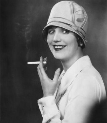 flappers 1920 smoking - photo #3