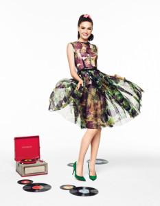 Sheer Pleated Swift Dress, Dolce & Gabbana; bracelet, Oscar de la Renta; ring, Tous; pumps, Roger Vivier. <3